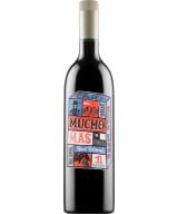 Mucho Mas Red Blend 2020 plastic bottle