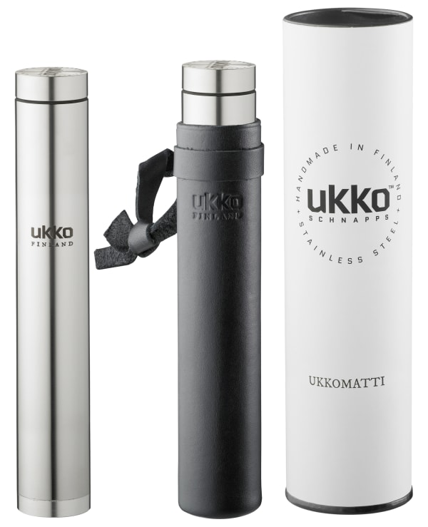 Ukkomatti 80 with a leather case